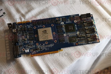 Galaxy GeForce GTX480 ar GT240